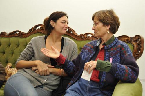 Échanges sur le cancer du sein au salon Joséphine, quartier de la Goutte d'Or© Cpam Paris – Brigitte Postec