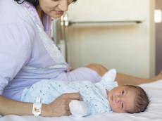 suivi médical post-natal, nourrisson et maman