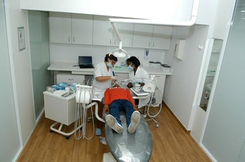 centre d orthodontie de paris une offre de soins dentaires de qualit pour tous sant. Black Bedroom Furniture Sets. Home Design Ideas